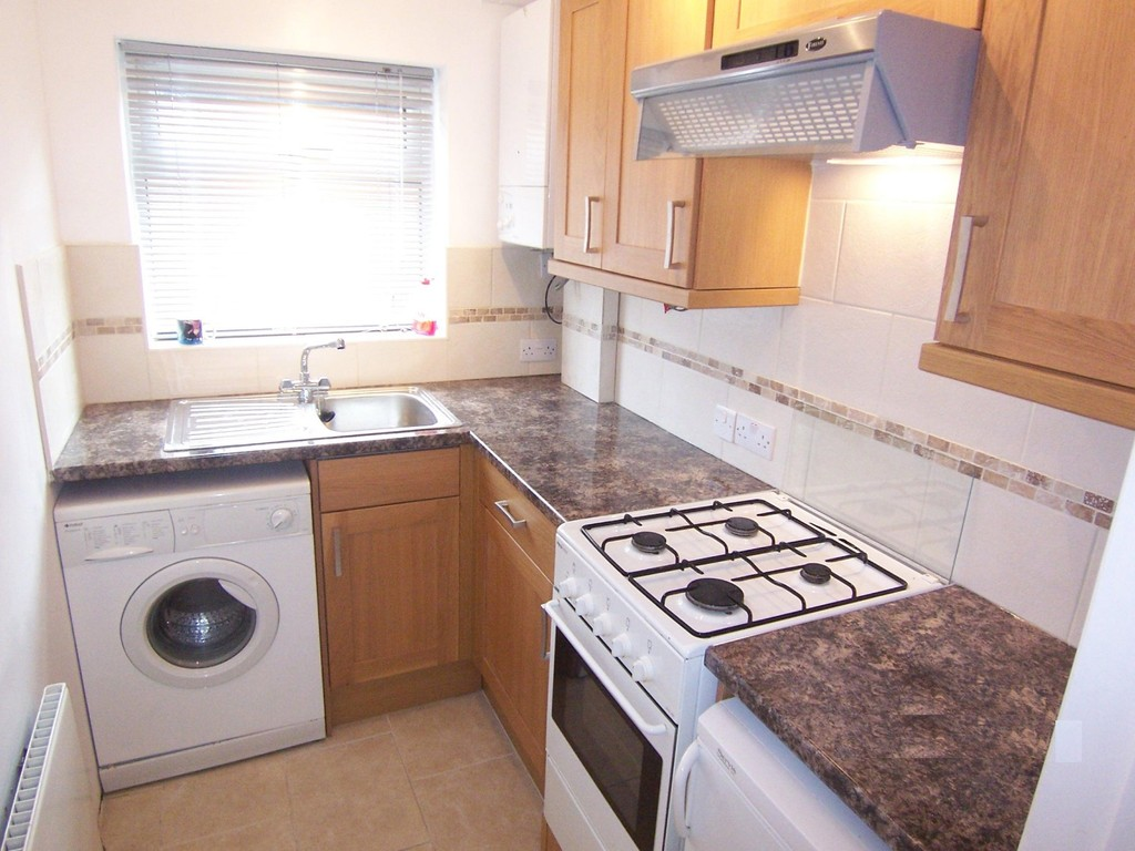 Flats And Apartments To Rent In Selsdon Parade L2L5947-1098