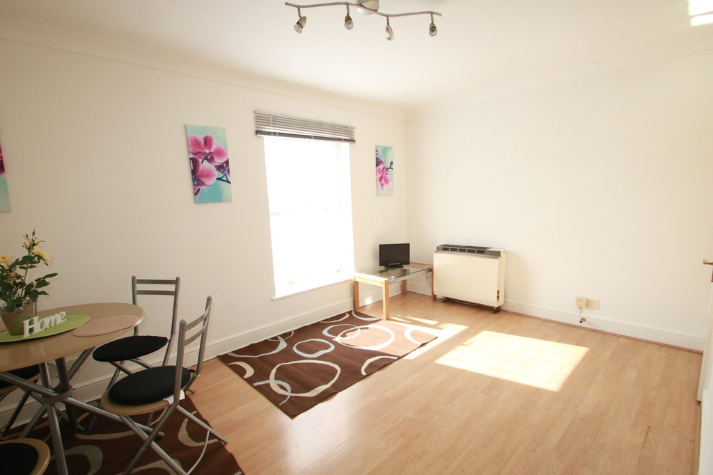 Property To Rent In London L2L5947-1055
