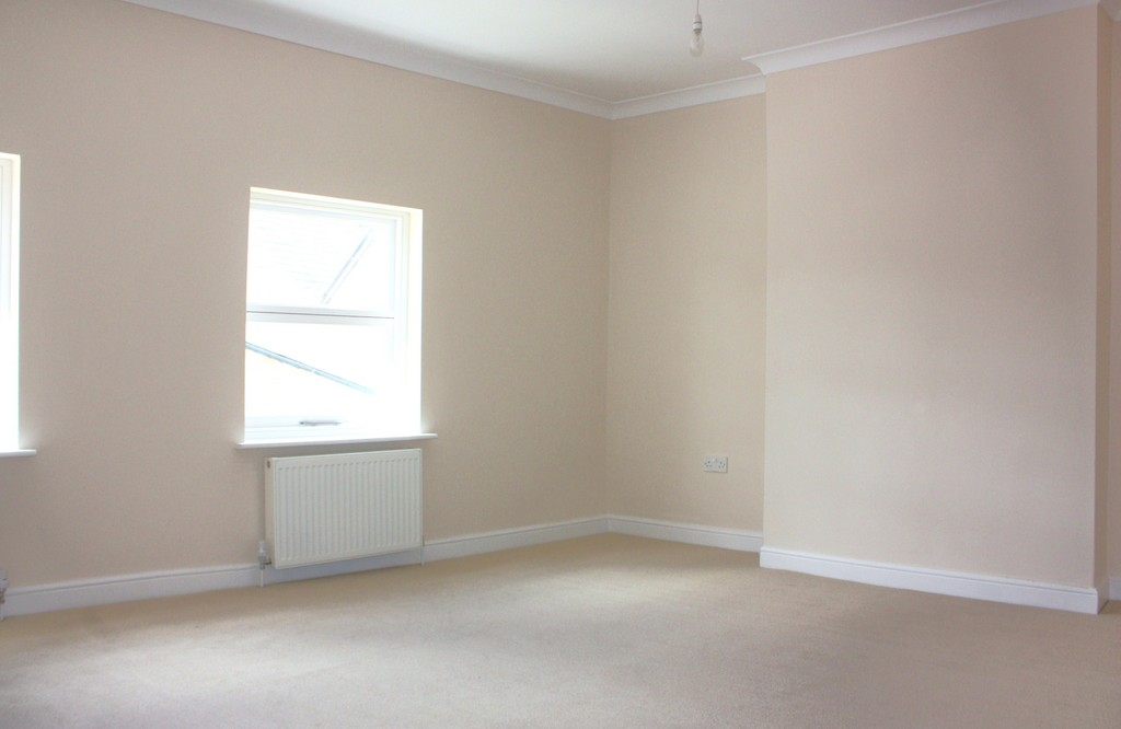 Flats And Apartments To Rent In London L2L5947-1113