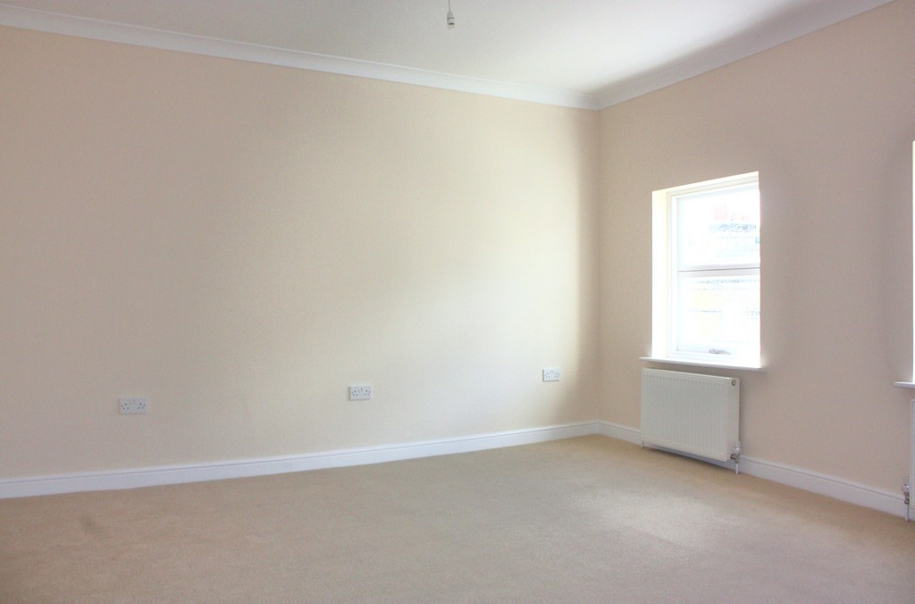 Flats And Apartments To Rent In South Norwood L2L5947-1113