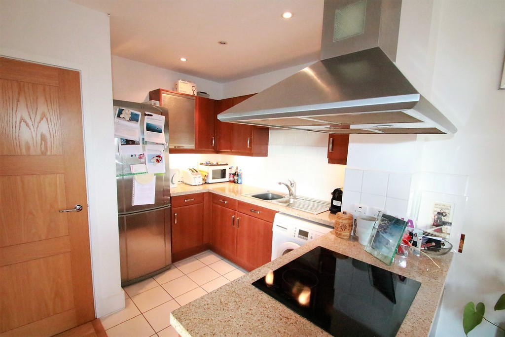 Flats And Apartments To Rent In London L2L5947-100