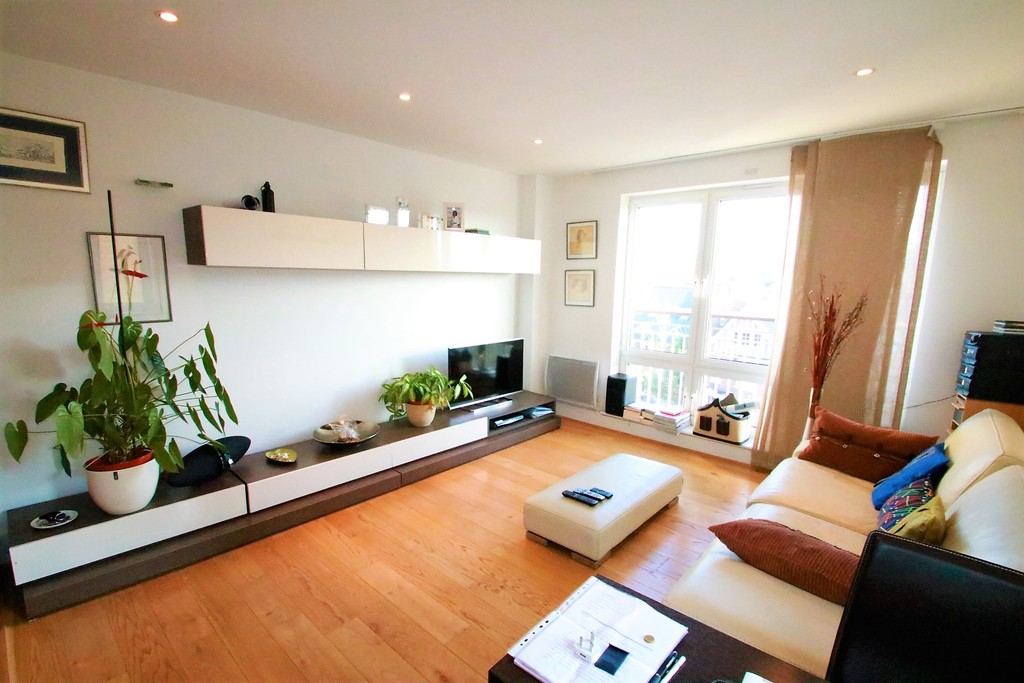 Flats And Apartments To Rent In East Croydon L2L5947-100