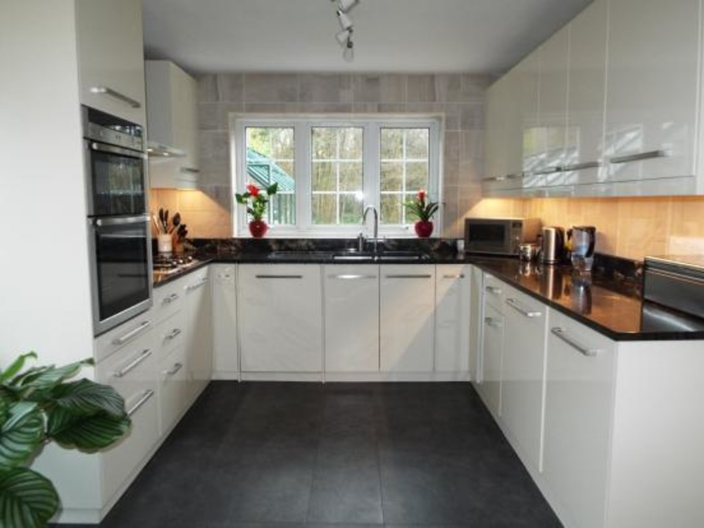 House To Rent In London L2L5947-1286