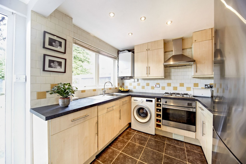 Property To Rent In London L2L5947-1359