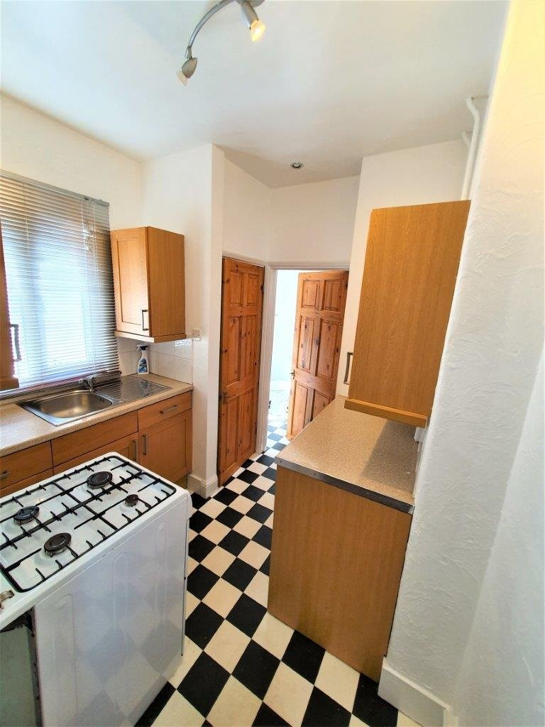 Flats And Apartments To Rent In London L2L5947-1361