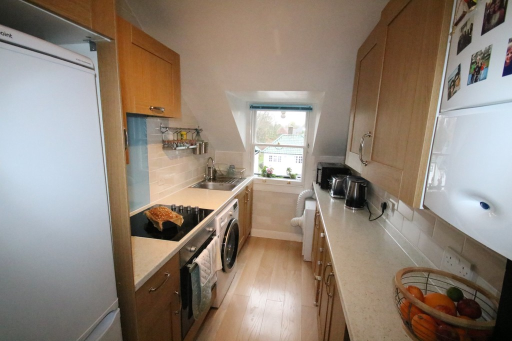 Flats And Apartments To Rent In Selsdon Parade L2L5947-100