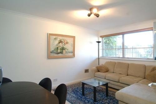 Property To Rent In London L2L595-1038