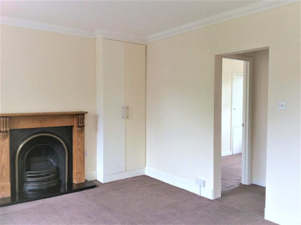 Flats And Apartments To Rent In Molesey East L2L5973-331