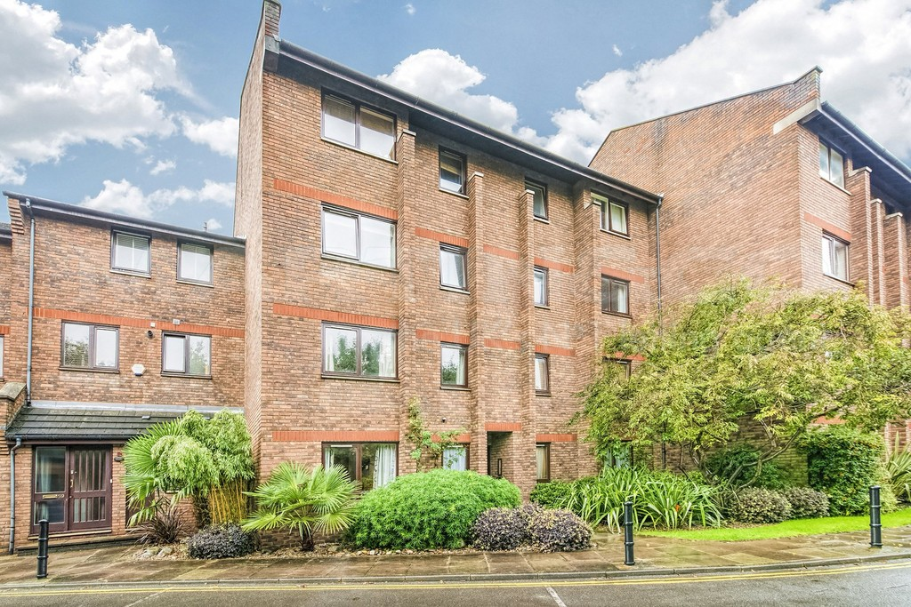 Flats And Apartments To Rent In Walham Green L2L5992-960