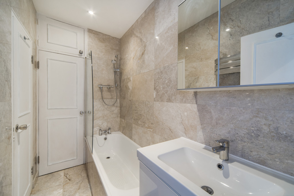 London Rental Property L2L5992-1109