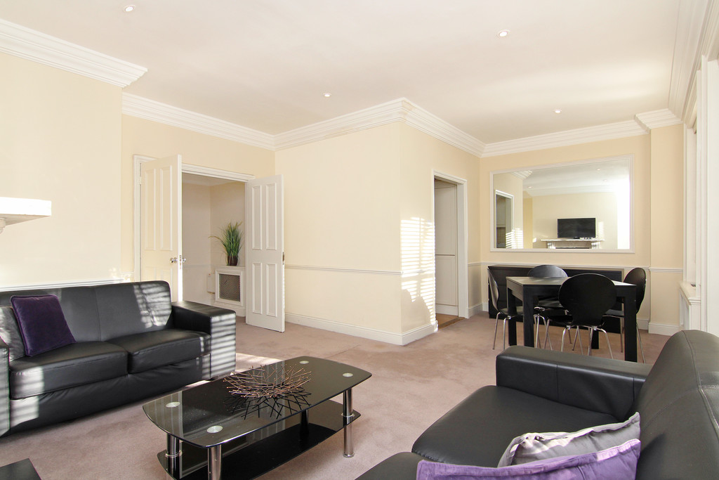 Property To Rent In London L2L5992-1117