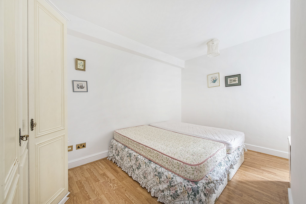Rent In London L2L5992-1372