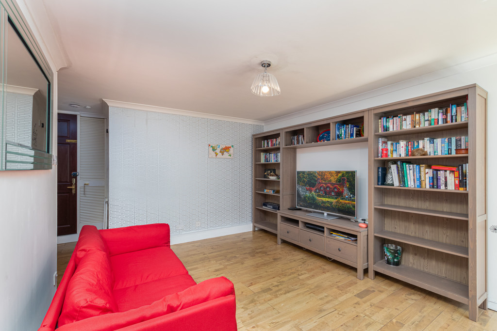 Rent In Worlds End L2L5992-1747