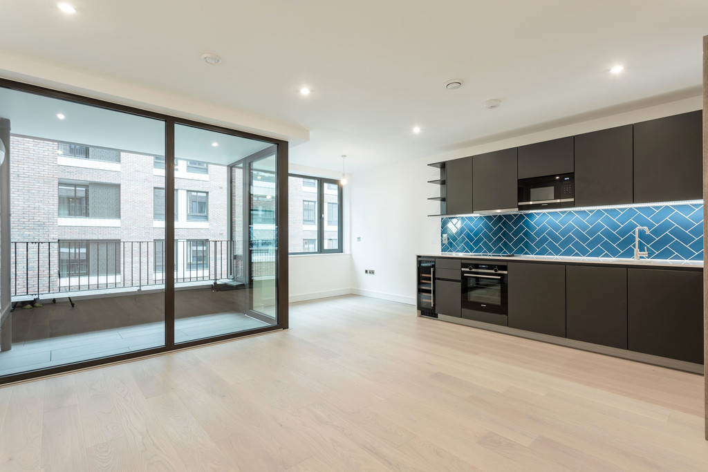 Property To Rent In London L2L5992-1819