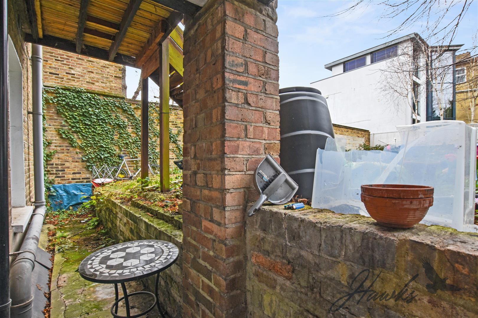 House To Rent In South Ealing L2L6022-777