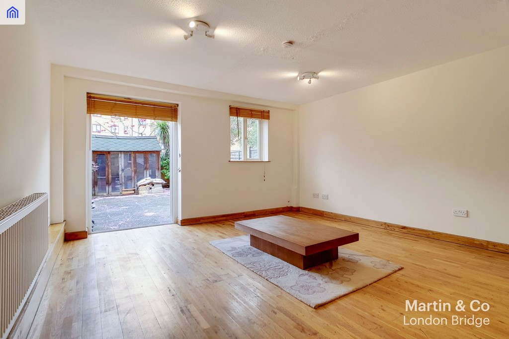 House To Rent In London L2L6052-587