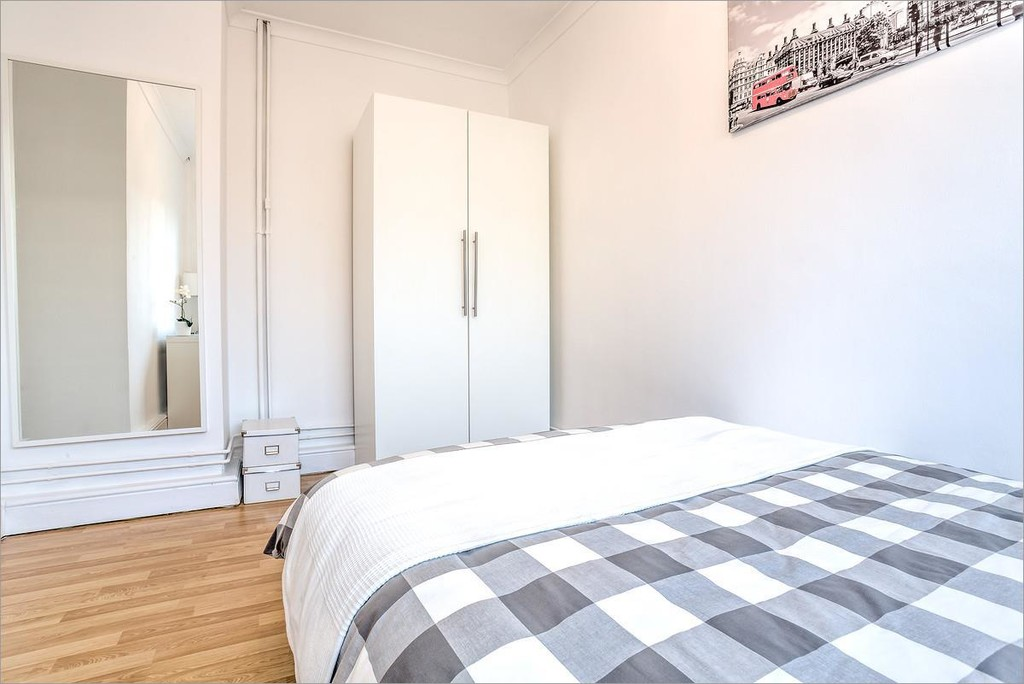 Property To Rent In London L2L6052-657