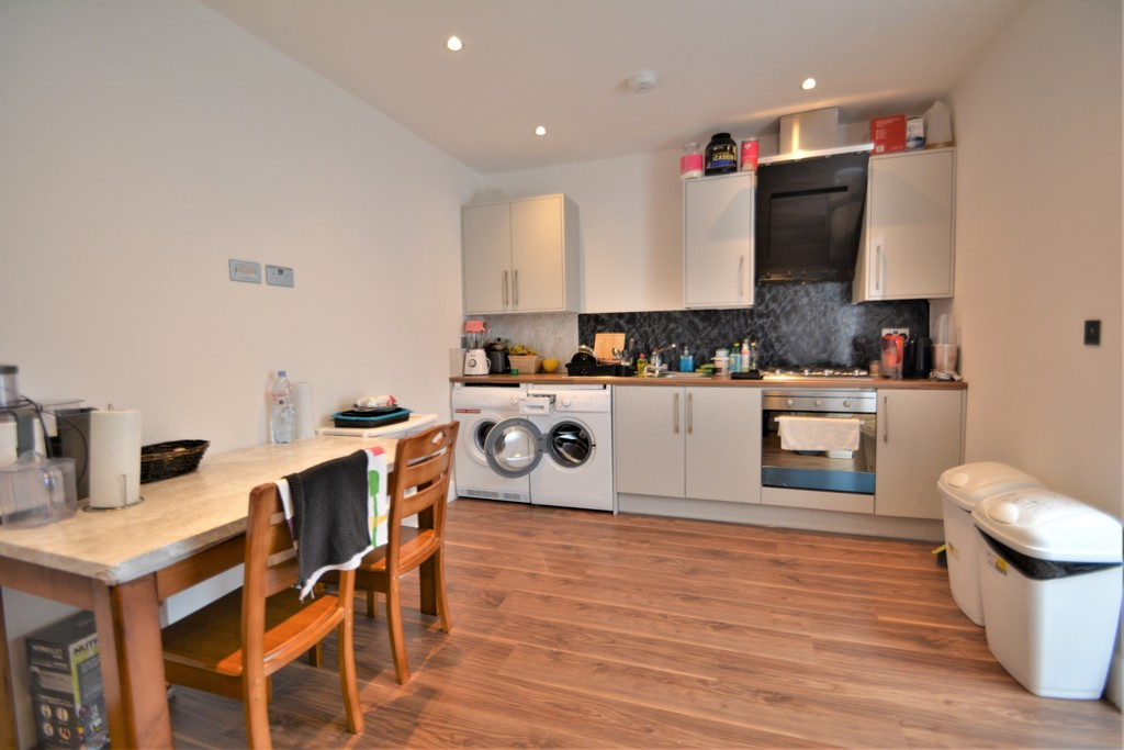 Flats And Apartments To Rent In London L2L6053-582