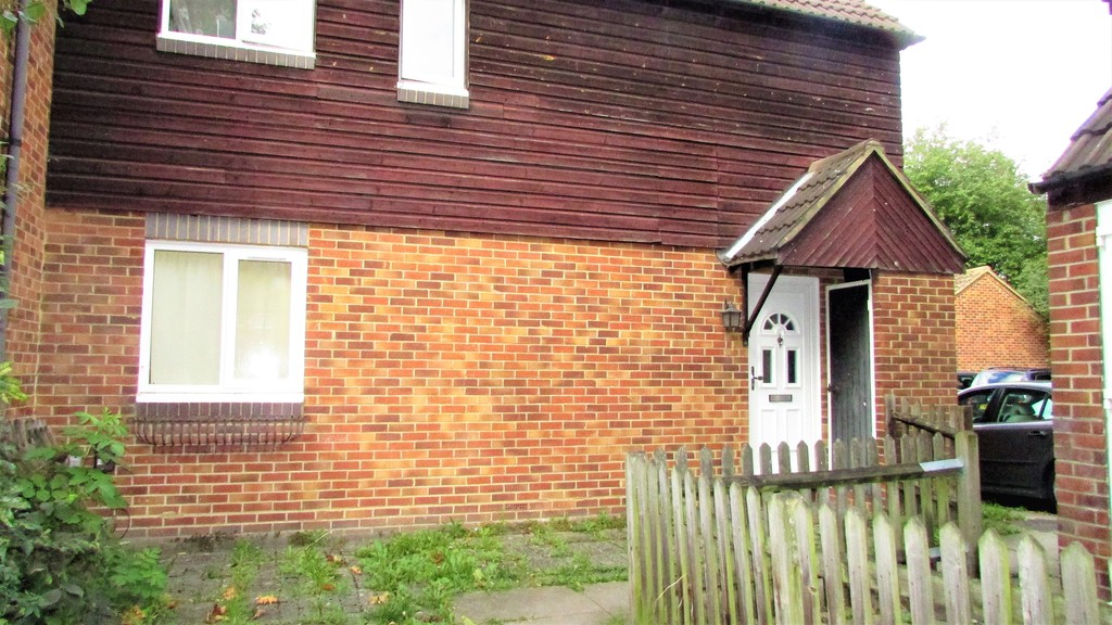 House To Rent In Canning Town L2L6056-513