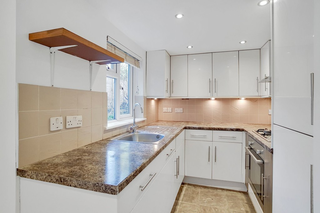 Flats And Apartments To Rent In London L2L6060-503