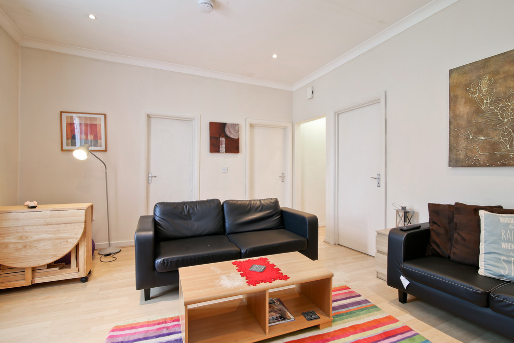 Flats And Apartments To Rent In London L2L6074-447