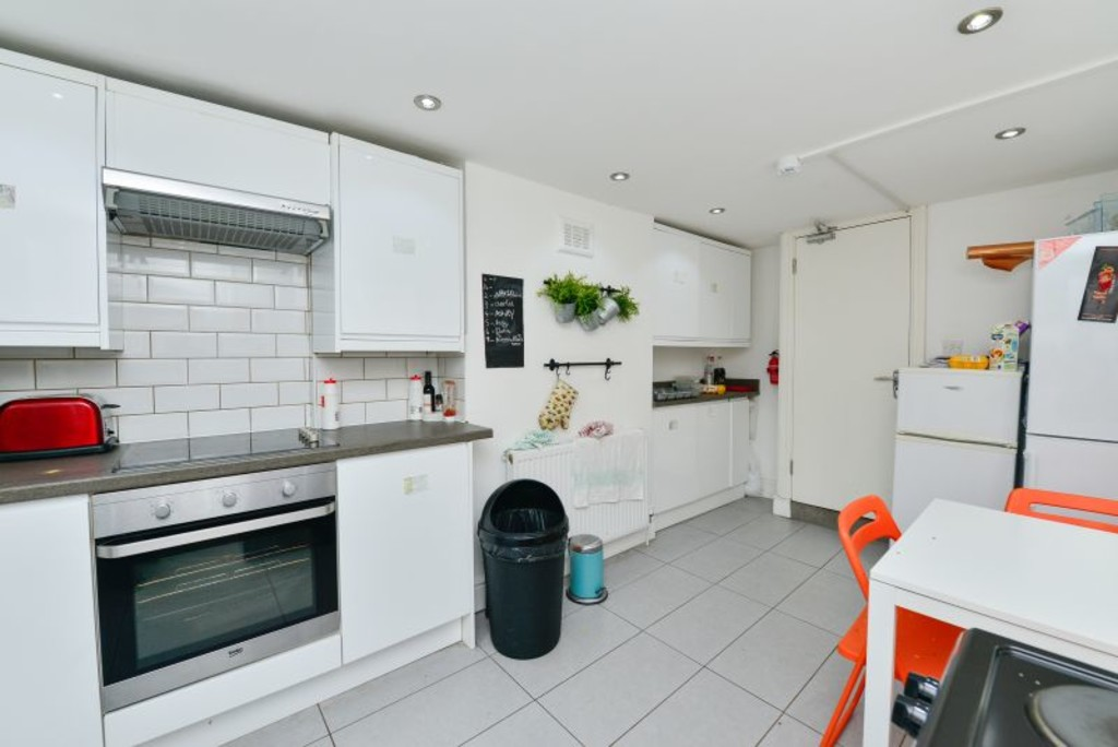 Flatshare To Rent In London L2L6074-533