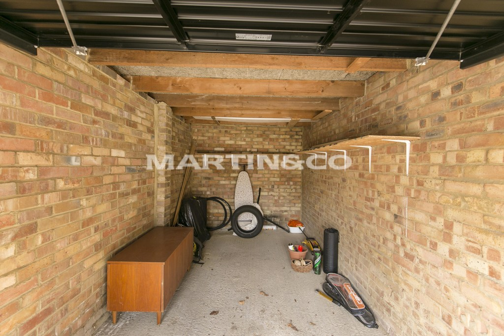 Parking And Other To Rent In Wanstead Flats L2L6083-859