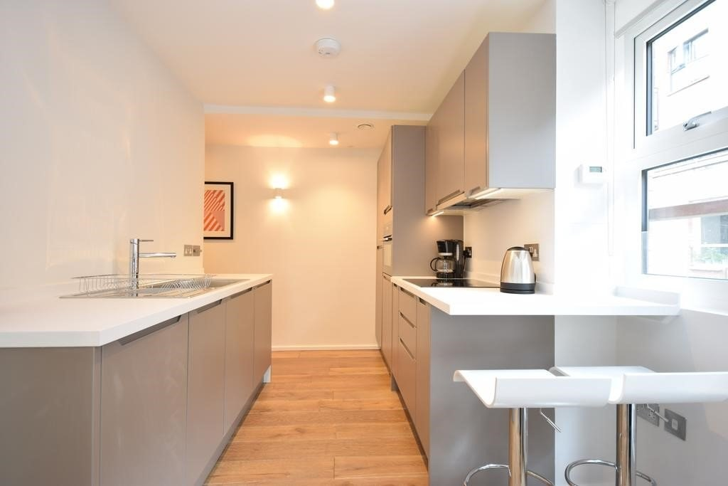 Property To Rent In London L2L6085-1305