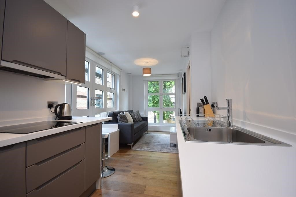 Student To Rent In London L2L6085-1305