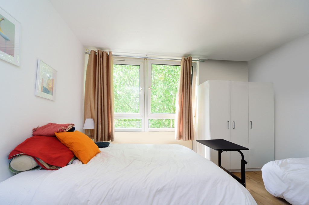 Student To Rent In London L2L6085-1393