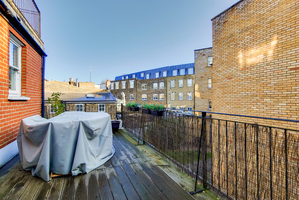 Rent In Crystal Palace L2L6090-789