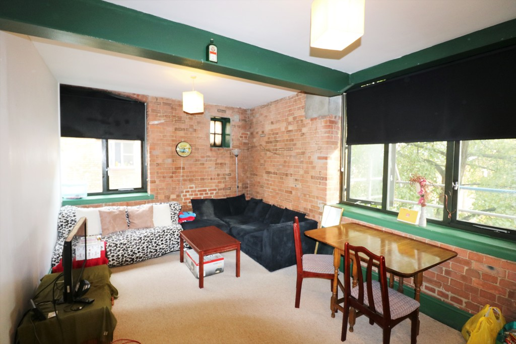 Property To Rent In London L2L6090-776