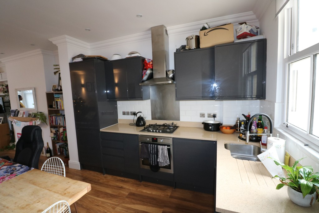 Flats And Apartments To Rent In Upper Norwood L2L6090-773