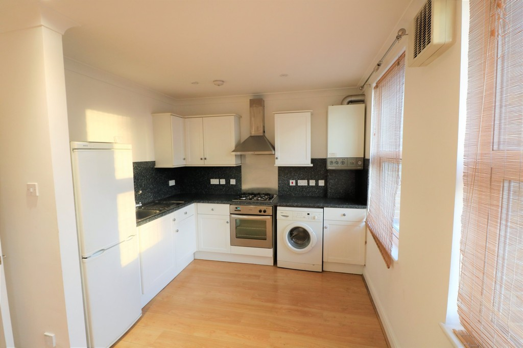 Property & Flats to rent with Martin & Co : Crystal Palace L2L6090-343