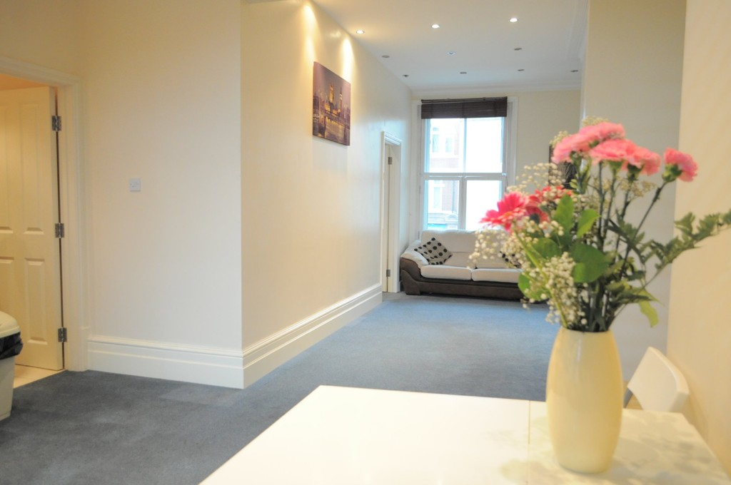 Property To Rent In London L2L6119-744