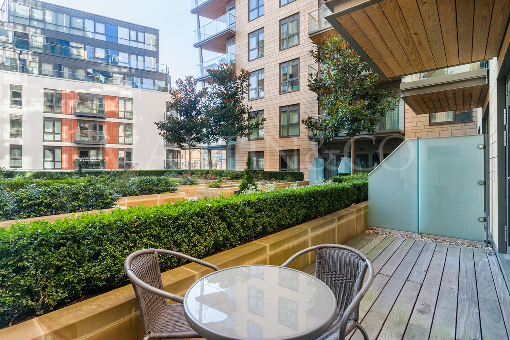 Property To Rent In London L2L6119-762