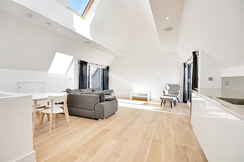Property To Rent In London L2L6119-847