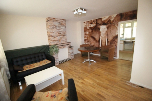 House To Rent In Brent Cross L2L619-100