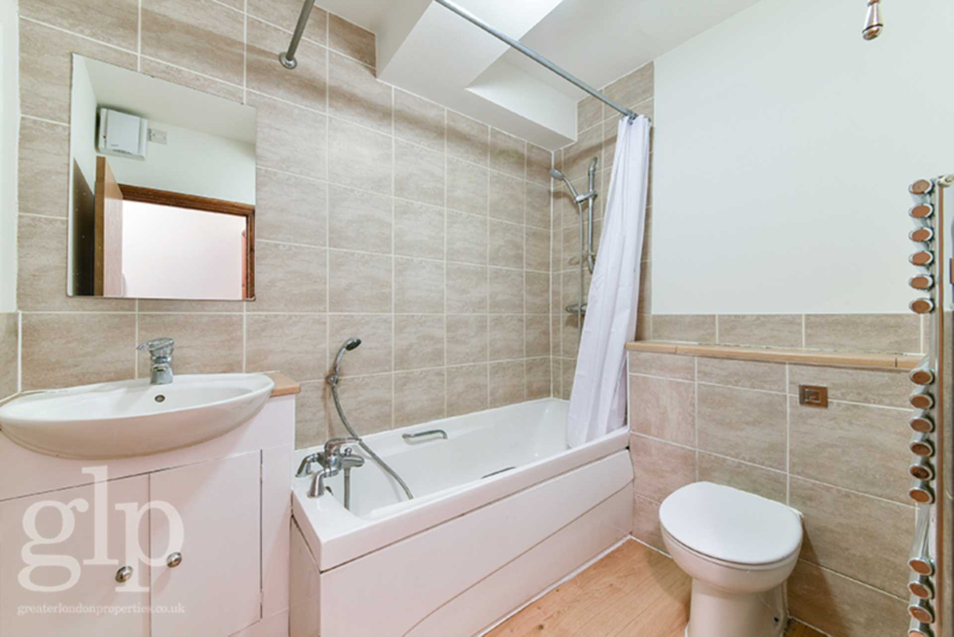 Flats And Apartments To Rent In London L2L62-1373