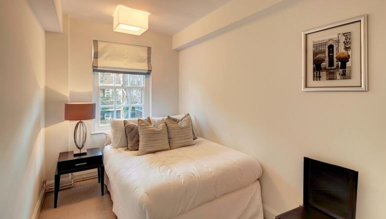 Flats And Apartments To Rent In Brompton L2L6222-2300