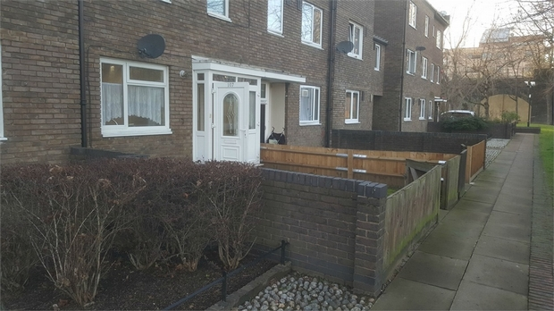 Property To Rent In London L2L623-251