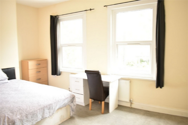 Property To Rent In London L2L623-711