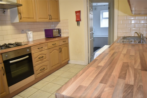 House To Rent In London L2L623-711