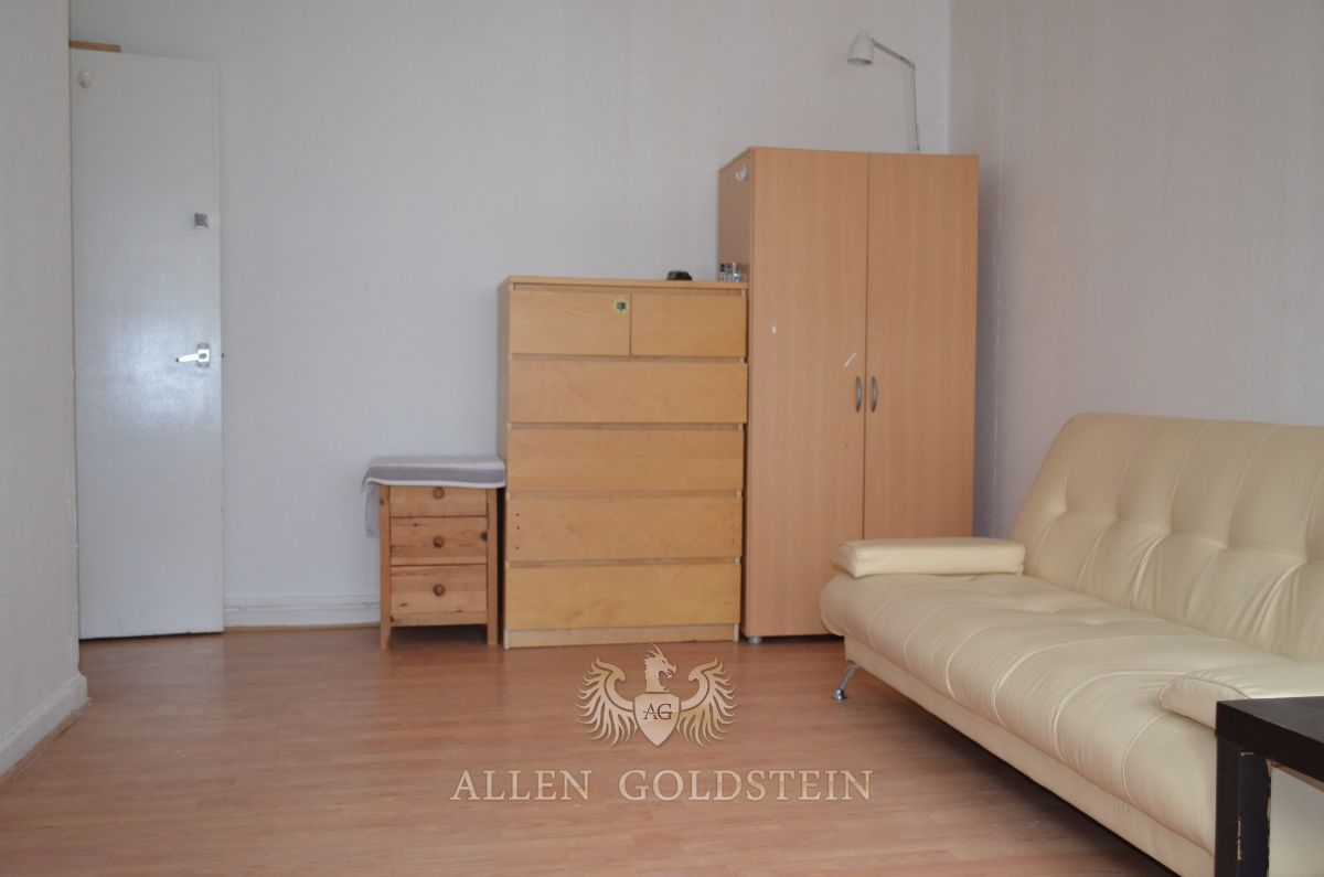 Property & Flats to rent with Allen Goldstein L2L6294-647