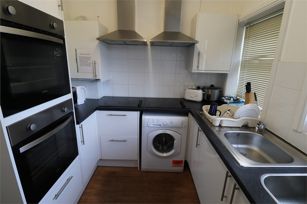 Property To Rent In London L2L667-616