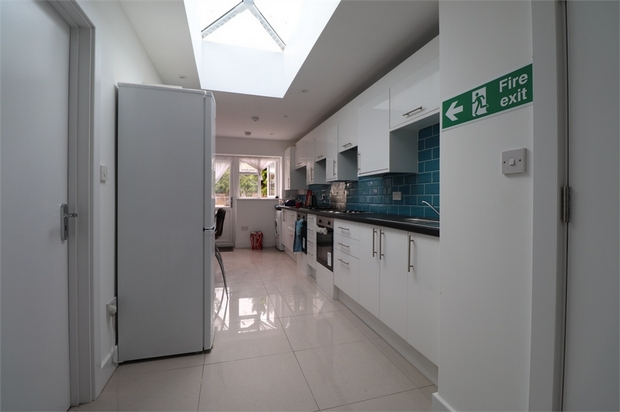 Property To Rent In London L2L667-633
