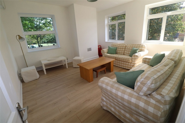 Property To Rent In London L2L667-873
