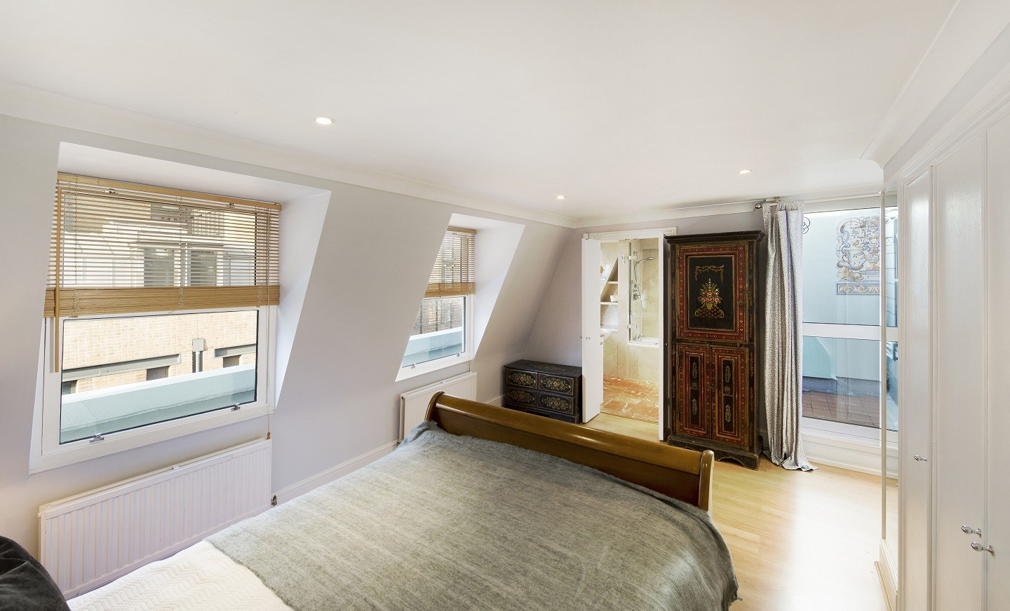 House To Rent In South Kensington L2L695-100