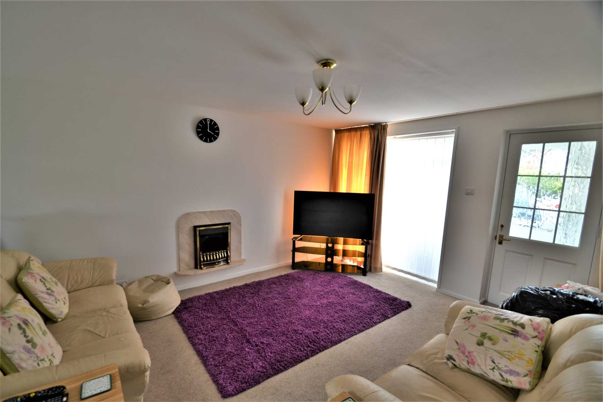 House To Rent In London L2L72-595