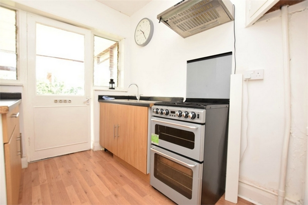 House To Rent In London L2L730-285